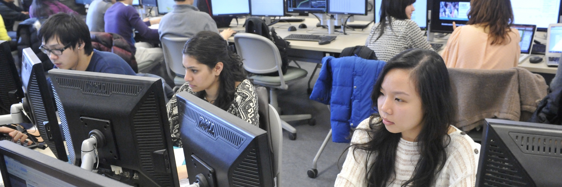 students in a finance lab