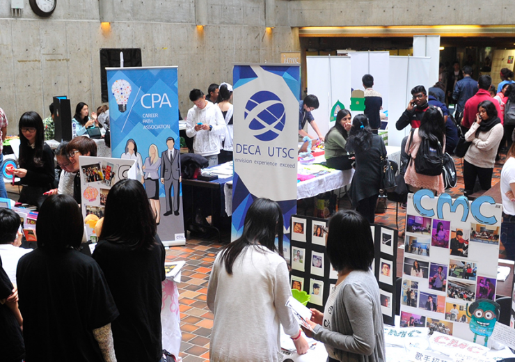 Students browsing campus group fair